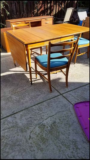 Mid century modern dining table no chairs for Sale in Vancouver, WA