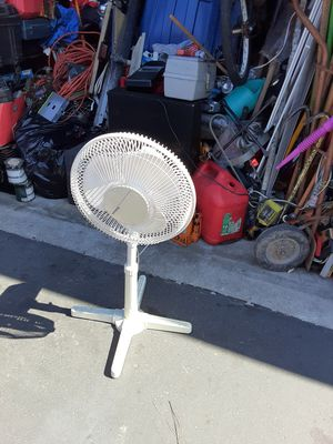 Tall white FAn for Sale in Anaheim, CA