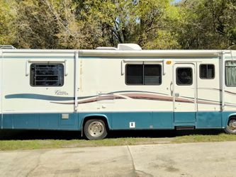 1998 RV Cruise Master By Georgie Boy for Sale in Tampa,  FL