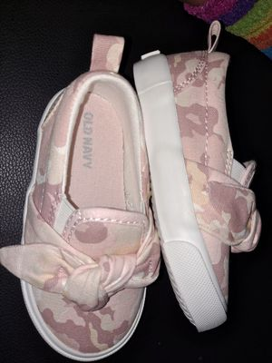 Old navy size 5 girl shoes for Sale in Sanger, CA