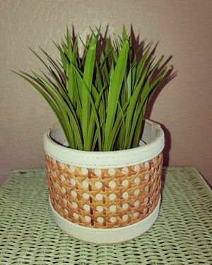 Boho Vintage Wicker Basket/Plant Holder for Sale in Goodyear, AZ