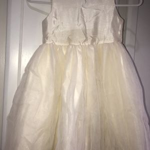 Girl's Size 5 Ivory Christmas Dress for Sale in Mesa, AZ