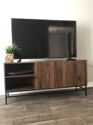 Tv stand - like new for Sale in Tampa, FL