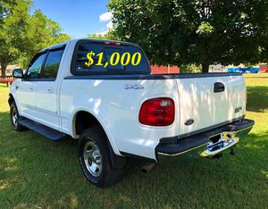 🟢💲1,OOO For sale URGENTLY this Beautiful💚2002 Ford F150 nice Family truck XLT Super Crew Cab 4-Door Runs and drives very smooth V8 full drive🟢 for Sale in Seattle, WA