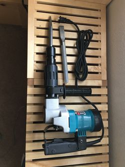 New Makita HM 0810T Demolition Hammer Drill 2900 bpm.corded for Sale in Walnut, CA