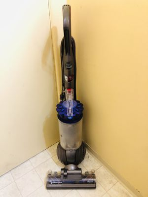 Dyson DC65 Vacuum Cleaner for Sale in Tacoma, WA