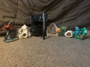 Fish tanks and fish decorations for Sale in Fairfield, CA