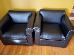 Lounge chair for Sale in Raleigh, NC