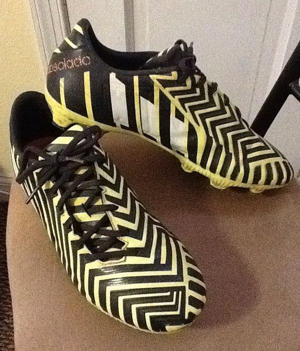 Adidas Men's Predator Absolado Soccer Cleats size 8