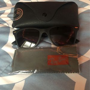 RayBans Black/gold Sunglasses for Sale in Manteca, CA