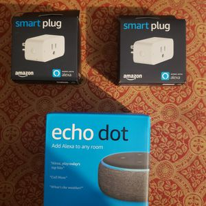 Amazon Echo Dot 3 And 2 Amazon Smart Plugs for Sale in New Haven, CT