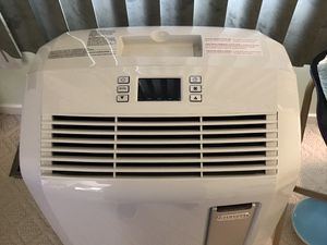 Delonghi 4-in1 portable air conditioner (w/ heat option) for Sale in Gaithersburg, MD