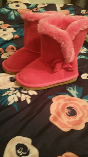 Size 6 toddler girl Pink Boots never worn (NEW) Fur inside for Sale in Mesquite, TX