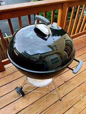 Weber Original Kettle Charcoal Grill - With Charcoal Starter and Charcoal for Sale in NO POTOMAC, MD