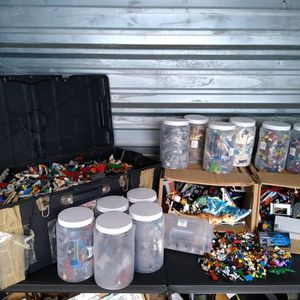 Huge Lot Of LEGO'S with Hundreds Of Minifigures for Sale in Tampa, FL