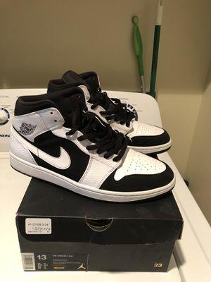 """Air Jordan 1 Mid """"Tuxedo"""" - 554724 113 size 13 for Sale in Spokane Valley, WA"""