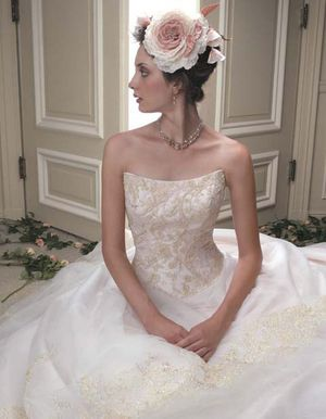 Wedding Dress 👗 Customized for Sale in Los Angeles, CA