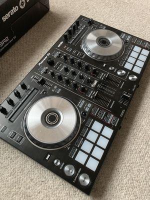 Pioneer DDJ-SR2 DJ Comtroller for Sale in Arlington, VA