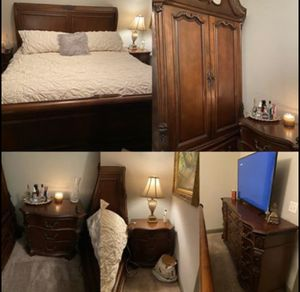 King Bedroom Set Must GO BY SUNDAY! for Sale in Simpsonville, SC