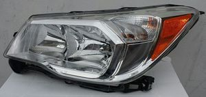 2014-2015 Subaru Forrester HEAD LAMP for Sale in Los Angeles, CA