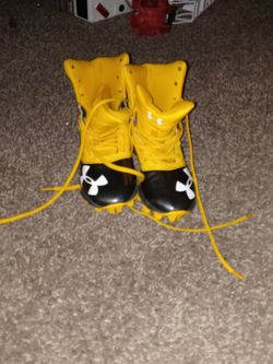 Football shoes Size 3y for Sale in Vancouver,  WA