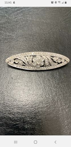 Beautiful White Gold And Diamond Broach for Sale in Lafayette,  CO