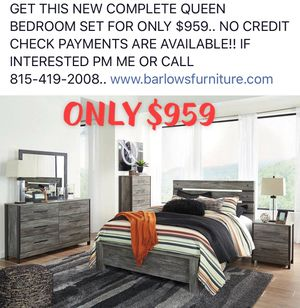 New complete queen bedroom set!! for Sale in Pontiac, IL