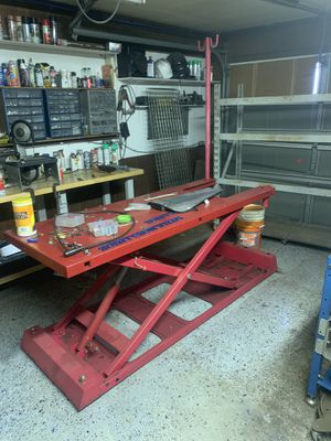 Motorcycle lift/hoist/stand for Sale in Victoria, TX