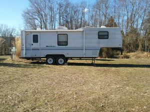 5th wheel Camper in Great Condition! for Sale in Herod, IL