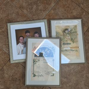 3 Really Nice Photo Frames for Sale in Bothell, WA