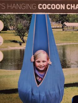 Kids Hanging Cacoon Chair for Sale in Anaheim,  CA