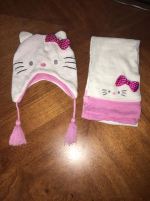 Hello Kitty beanie hat & scarf set for Sale in El Mirage, AZ
