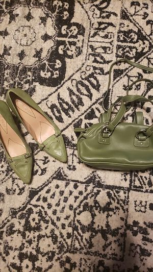Size 5.5 Nine West heels and matching purse for Sale in Raleigh, NC