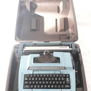 Vintage Smith Corona Coronet XL Electric Typewriter for Sale in Newburgh, IN