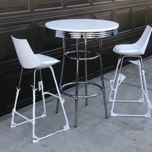 Brans New Tall Pub Table And 2 Barstools for Sale in Fowler, CA