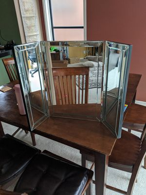 "Hamilton Hills Trifold Vanity Mirror 21"" x 30"" for Sale in Seattle, WA"