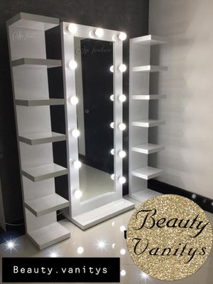 Full body mirror with towers for Sale in Corona, CA
