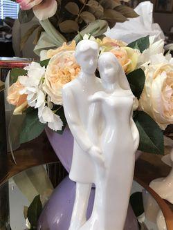 Gorgeous !!! Royal Doulton Wedding Vows Statue for Sale in Nokesville,  VA
