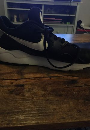 Nike Size 11.5 Tennis Shoes for Sale in Carmichael, CA