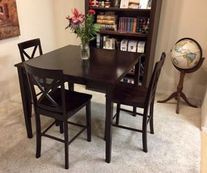 Beautiful Counter Height Dining Set With 4 Chairs for Sale in Carlsbad, CA