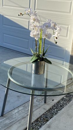 Round Glass Table for Sale in South Gate,  CA