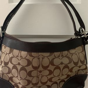 Small Coach shoulder Bag for Sale in Garden Grove, CA