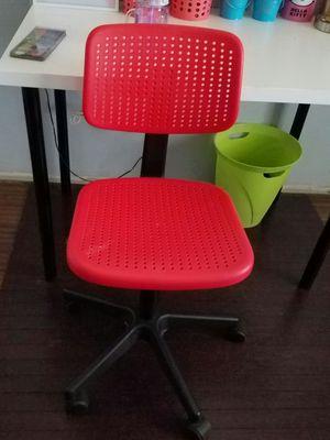 IKEA Small Plastic MODERN Adjustable OFFICE Desk chair for Sale in Phoenix, AZ