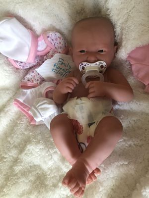 Hand painted reborn vinyl doll weighted like a real baby for Sale in Canyon Lake, TX