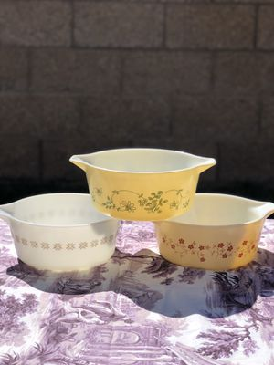 Pyrex dishes for Sale in Hesperia, CA