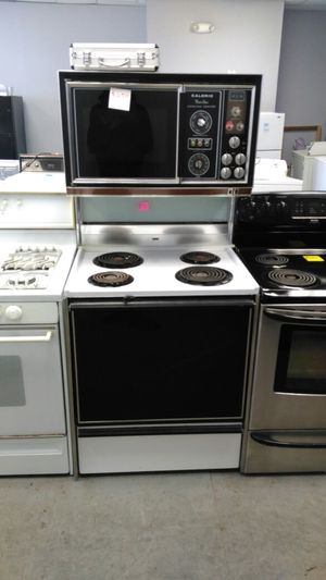 Caloric stackable micro wave oven stove for Sale in Cleveland, OH
