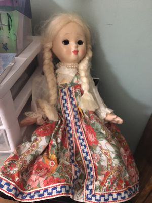 Antique doll 1940s excellent condition beautiful dress for Sale in Warner Robins, GA