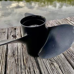 Aluminum Outboard Propeller from Suzuki DF140 for Sale in Tampa, FL
