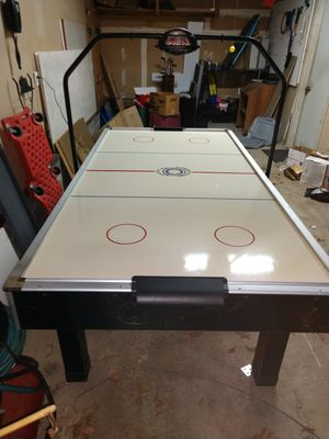 Air hockey table for Sale in Lindenwold, NJ