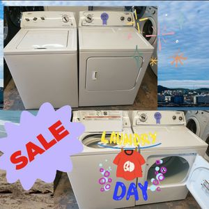 Whirlpool Top Loads Washer And Dryer Electric for Sale in Richmond, TX